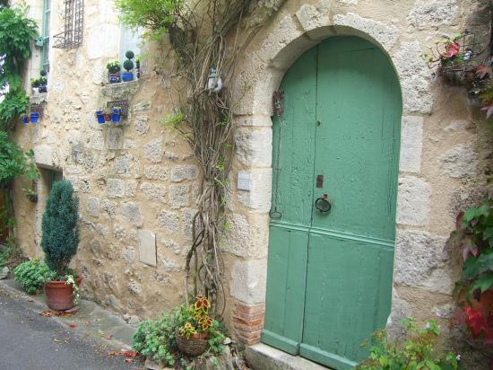 castelmoron d'albret plus petit village girondin